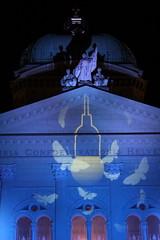 Berner Museumsnacht 2017 :  Bundeshaus Bern ( Parlamentsgebäude der Schweizerischen Eidgenossenschaft - Baujahr 1894 - 1902 - Palais fédéral - Palazzo federale ) in der Altstadt - Stadt Bern im Kanton Bern der Schweiz (chrchr_75) Tags: albumzzz201703märz märz 2017 hurni christoph chrchr chrchr75 chrigu chriguhurni schweiz suisse switzerland svizzera suissa swiss sveitsi sviss スイス zwitserland sveits szwajcaria suíça suiza schweizerische eidgenossenschaft stadt city ville kanton altstadt bern bärn berne berna bundeshaus palais fédéral palazzo federale gebäude building archidektur parlamentsgebäude regierungsgebäude regierung parlament sandstein curia confoederationis helveticae confoederatio helvetica helvetia hauptstadt capitol chriguhurnibluemailch hurni170317 berner museumsnacht nacht night nuit