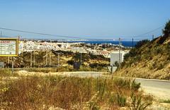 Portugal-Algarve-1988 - Urlaubs-Verbauboom-Nikon F501_Kodak (irisisopen f/8light) Tags: film portugal analog reisen nikon europa motive algarve farbe albufeira f501 diafilm