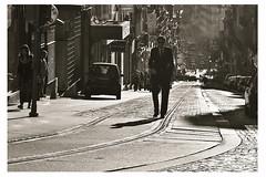 Una calle de Oporto (Francisco Esteve Herrero) Tags: blancoynegro portugal sepia oporto 2013 bestcapturesaoi vigilantphotographersunite