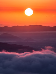 PhoTones Works #3826 (PhoTones_TAKUMA) Tags: autumn sea mountain nature japan landscape scenery      kimura em1   takuma   photones clouds vision:sunset=0947 vision:outdoor=075 vision:sky=0807 vision:clouds=077 vision:car=0668