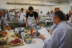 "Laboratorio Accademia FoodLab (4) • <a style=""font-size:0.8em;"" href=""https://www.flickr.com/photos/36569379@N08/11169028235/"" target=""_blank"">View on Flickr</a>"