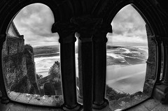 behind the glass ... (Roberto Defilippi) Tags: france francia rodeos lemontstmichel 2013 nikond300 flickrsfinestimages1 flickrsfinestimages2 flickrsfinestimages3 robertodefilippi