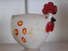 where are my grains ? (Riex) Tags: art chicken glass decorative cosina decoration adapter m42 fujifilm poule whimsical verre 135mm glassart screwmount cosinon verrerie iso6400 fotodiox xtrans xe2 pentaxmount notinm42