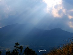 Luce (Photogallery of Little travel Notes on the road) Tags: luce riflessi cielo sky appennino montagna mountain atmosfera natura emozioneve