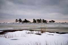Frozen lake (Susanne Hjertø Wiik) Tags: köpmannebro långö naturlandskapnaturfenomen steder vær dramatiskhimmel landskap lugnet mellerud skyer sverige vinter vänern årstid
