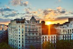 Atardecer desde la terraza de la casa Milà (La Pedrera) (andréscampañas.) Tags: mediterráneo europa europe spain atardecer sunset nikon lapedrera españa casamilà cataluña bcn barcelona gaudí