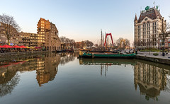 Oude Haven - Rotterdam (Wim Boon (wimzilver)) Tags: rotterdam holland nederland wittehuis canonef1635mmf4lisusm canoneos5dmarkiii reflection reflecties willemsbrug sunset