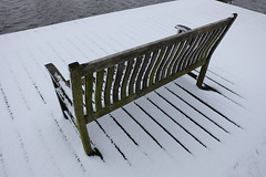 Snow-covered bench (DennisM2) Tags: bank bankje tuinbankje gardenbench parkbench snowcoveredbench snowonbench besneeuwdbankje