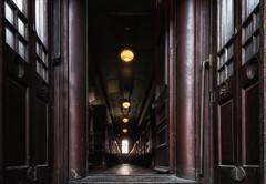 B&O_BoxCar (Lo8i) Tags: bo borailroadmuseum baltimore boxcar interior railroad train flickrlounge lines leadinglines