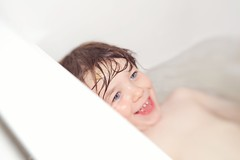 Big smiles (catherinelaceyphoto) Tags: family pink boy white love water girl canon children fun kid bath child brothers father flash joy daughter mother happiness son bathtime