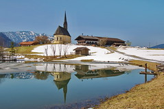Schneeschmelze bei Einsiedl in Inzell (Binderhusl) Tags: schnee winter snow see day spiegelung frhling kapelle inzell wolkenlos stnikolaus schneeschmelze einsiedl