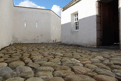 DSC01385 (steve_whitmarsh) Tags: castle stone scotland courtyard cobbles scottishhighlands corgarff
