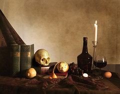 Vita brevis breviter in brevi finietur (ruthlesscrab) Tags: stilllife mementomori allegory dutchmasters totw chiaoscuro xaviersskull