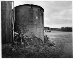 old farm (ralf B) Tags: acros100 epsonv700 ilfordmgivrc voigtlander214 bessar4a