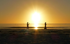 P1110754 (claymore2211) Tags: sunset people woman sun man beach water silhouette person horizon winner flickrchallengegroup friendlychallenges thechallengefactory ultimategrindwinner superherochallenges herowinner