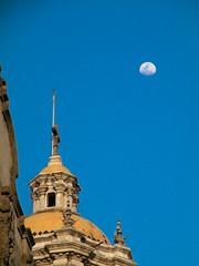 Vieja basilica (eclecctica) Tags: df day basilica clear guadalupe distritofederal