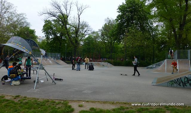 Skate park dentro del parque de Varosliget
