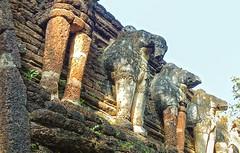 Elephants of Wat Chang Rop (E.C.L.) Tags: heritage thailand temple site ruins tailandia thalande unescoworldheritagesite unesco thai elephants elefant siam templo tempel ruinen weltkulturerbe tailndia elefantes historicalpark elephanttemple    elefantentempel geschichtspark totallythailand templeofelephants