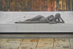 a la Generación del 27 (boscani@) Tags: estatua poeta poetisa generacion 1927 poesia
