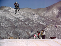 WXG 0216 (nick dewolf photo archive) Tags: 2002 winter snow mountains color digital fly flying jump jumping freestyle colorado photographer helmet photographers olympus motorcycle february aspen airborne rider motocross buttermilk snowcovered motox xgames dewolf e100rs catchingair freestylemotocross coveredinsnow nickdewolf winterxgames olympuse100rs photographbynickdewolf olympuse100 wintermotocross buttermilkskiarea winterxgamesvi winterfreestylemotocross winterfreestylemotocrossbesttrick wintermotoxbesttrick