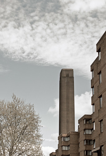Tower of the Tate Modern - Bankside (Canon 500D & Samyang 35mm F1.4)