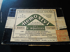 Old Drugs (1931) (Paolo Bonassin) Tags: old italy drugs boxes antiques antiquariato scatole antiquedealing olddrugs hemostyl ©paolobonassin