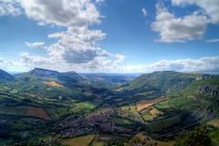 (MTHATD) Tags: france champs nuages tourisme montagnes aveyron
