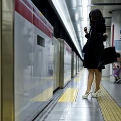the way you move (sinkdd) Tags: girl station japan 35mm subway tokyo nikon metro f14 sigma d800 tokyometro   nikond800  sinkdd sigma35mmf14dghsm
