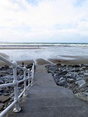 Descente vers l'ocan... (LILI 296....) Tags: eau plage ballustrade ocanatlantique canonpowershotg16