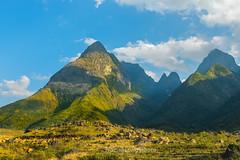 _J5K8589+93.0217.Sơn Bình.Tam Đường.Lai Châu (hoanglongphoto) Tags: asia asian vietnam northvietnam northwestvietnam landscape scenery outdoor vietnamlandscape vietnamscenery vietnamscene mountain mountainouslandscape mountainouslandscapeinvietnam afternoon sunlight sunny sky bluessky cloud flank topmountain hdr canon canoneos1dsmarkiii tâybắc laichâu tamđường sơnbình phongcảnh ngoàitrời phongcảnhtâybắc núi bầutrời buổitrưa bầutrờimàuxanh mây đỉnhnúi sườnnúi nắng nature thiênnhiên natureinvietnam thiênnhiênviệtnam zeissdistagont235ze