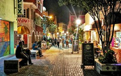 Columbusstraat in Willemstad - Curacao (CosmoClick) Tags: curacao willemstad punda caribbean downtown night evening street cosmoclick cosmoclicky wow