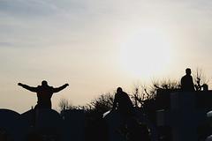 The I amsterdam sign (Nicolay Abril) Tags: iamsterdamsign iamsterdam sombras siluetas ombre sagome ombres silhouettes shadows schaduwen silhouetten árboles ramas arbres branches trees alberi bäume äste beem bomen winter hiver invierno cielo nubes sky clouds ciel nuages nuvole skyporn cloudporn hemel wolken sol rayosdesol luzsolar contraluz sole controluce lumièredusoleil rétroéclairage sunshine sun sunbeams sunlight backlight zon zonlicht tegenlicht tramonto sunset puestadelsol atardecer nubi sonnenuntergang himmel coucherdusoleil zonsondergang amsterdam holanda paísesbajos netherlands holland nederland hollande paysbas niederlande olanda paesibassi museumplein vreugde joy
