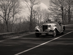 Bella... (@oloarge) Tags: car oldcar auto autodepoca historiccar bw seppia sepia