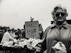 Wochenmarkt (Dirk Tucholski) Tags: middelkerke belgien flandern sw bw monochrome tucholskifotogarfiert