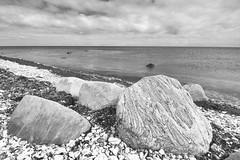 Boulders on beach (Mr.Borup) Tags: strand sten ledeblokke hav beach stones boulders rocks sea horisont sorthvid blackandwhite horizon
