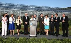 Premier/première ministre Wynne with premiers at the 2013 Summer Meeting welcome reception/avec les premiers ministres des provinces et des territoires lors de la réception de bienvenue à la Rencontre estivale 2013