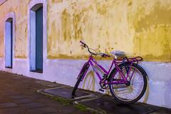 Le vélo (Sérgio Zeraik) Tags: brazil bike bicycle brasil canon eos rebel centro colonial bicicleta sp fahrrad vélo bicicletta t3i sãosebastião histórico 600d brasilemimagens