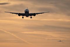 [07:08] ..the 27L approach. (A380spotter) Tags: london heathrow landing finals 400 vs ba boeing arrival approach britishairways 777 747 tha lhr virginatlantic tg vir baw iag egll tubularbelle gvhot 200er hstga thaiairwaysinternational 27l gviih runway27l bomlhr shortfinals britainsflagcarrier jfklhr bkklhr vs0046 srisuriyothai ba0138 tg0910 ศรีสุริโยทัย vs46c internationalconsolidatedairlinesgroupsa
