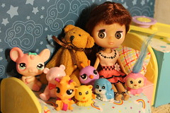 My LPS Blythe girl Lizzi with all her little friends