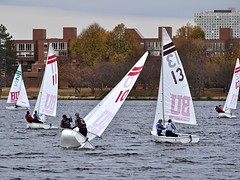 Weight Against Wind (AntyDiluvian) Tags: boston sailboat river mit massachusetts dorm charlesriver buds weight bu backbay dinghy commave bostonuniversity commonwealthavenue kenmoresquare massachusettsinstituteoftechnology bu4 budinghysailors bostonuniversitydinghysailors