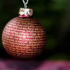 Weihnachtskugel mit Weihnachtsgeschichte (dgruen) Tags: weihnachten tina kugel weihnachtsgeschichte 365x50mm