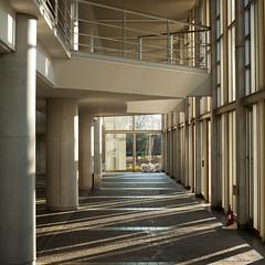 fujisawa - keio university shonan campus 6 (Doctor Casino) Tags: architecture campus interior architect squarecrop fumihikomaki keidai keiouniversity shonanfujisawa 19901994 makifumihiko keiōgijukudaigaku shonanfujisawakanpasu