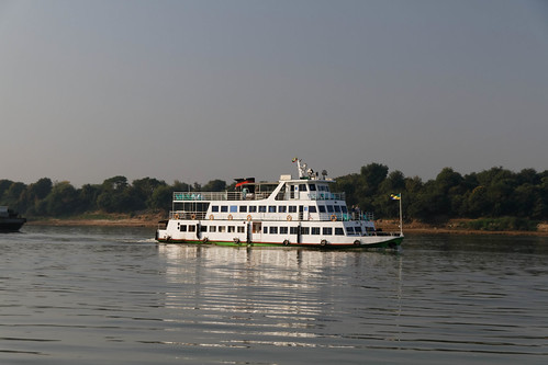 Ayeyarwaddy River Cruise