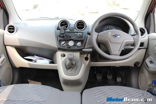 2014-Datsun-GO-39