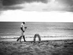 Hombre con Rake (_Matt_T_) Tags: beach labourer vacation resort life bw dominican republic uvero alto wg4