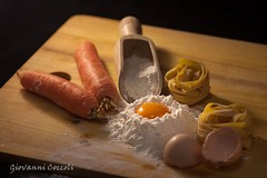1_2 (Giovanni Coccoli 75) Tags: piatti cibo mangiare presentazione culinaria cucina ricette chef casalinghi prodotti ingredienti uovo farina tagliatelle impastare genuini stil life luce calda mattarello spaghetti
