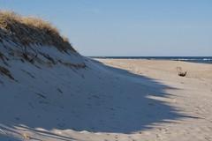 IMG_0429 (ericssonbo24) Tags: beash water shadows sans season blue coast grass horizon sky blyenature waves color