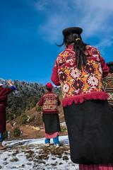 18_BTA8965 (David Ducoin) Tags: pink mountain snow hat forest asia dress bhutan drink stupa traditional bluesky alcohol nomad hiker himalaya landscap brokpa tashigang ducoindavid tribuducoin