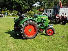 DSCF3064 (fuchs377) Tags: tractor germany deutschland europa europe traktor bulldog ostfriesland oldtimer allemagne duitsland trecker schlepper niedersachsen deutz oldtimertreffen treckertreffen berumerfehn