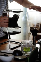 DSC_8002 (ppeng@yahoo) Tags: coffee nikon v1 brewer syphon sommelier 30110 hario sca5